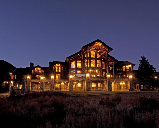 Mammoth Lakes Victory Lodge!