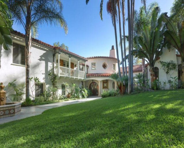 Tyra Banks' Spanish Colonial!