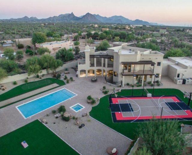 Sarah Palin Sells Arizona Home for Fast Profit!