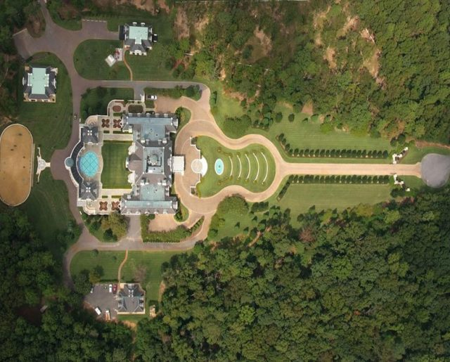 Alabama Guitar Mansion Goes To Auction Again!