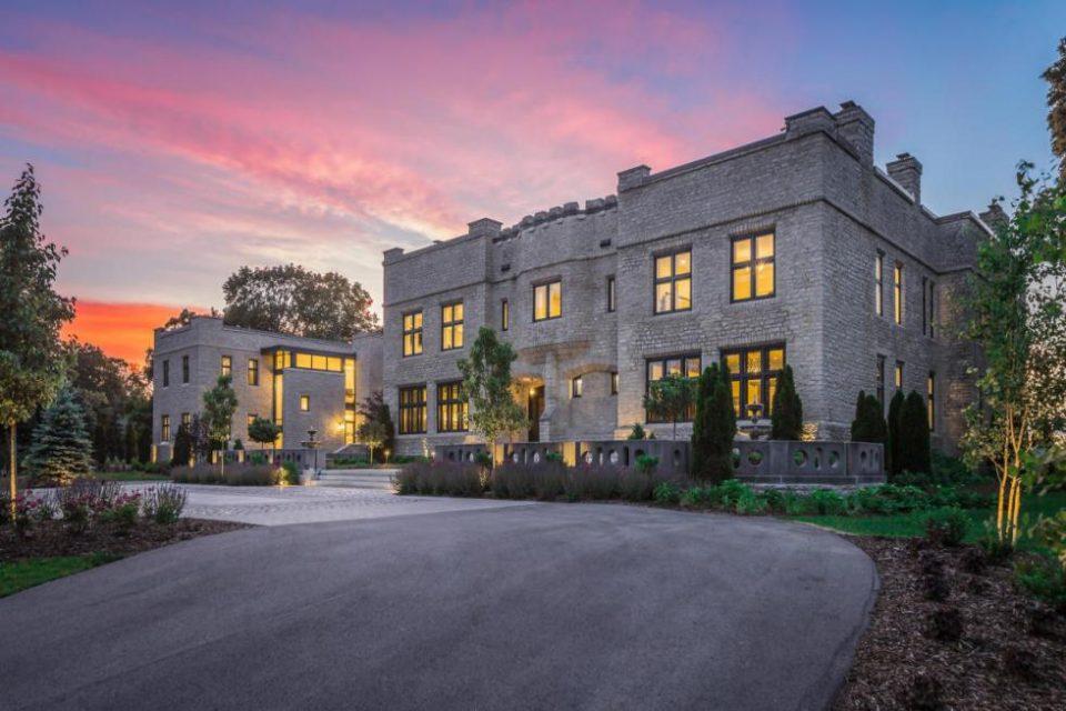 Wisconsin's Anne Boleyn Castle Replica!