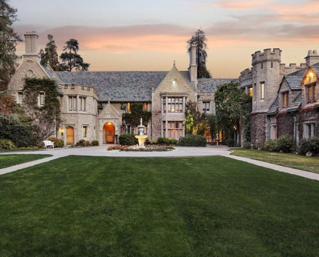 Hugh Hefner's Playboy Mansion!