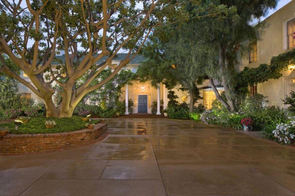 Taylor Swift Restores Samuel Goldwyn Mansion!