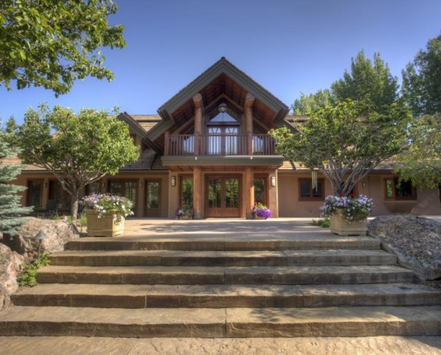 Action Star Bruce Willis Finally Sells Sun Valley Ski Home!