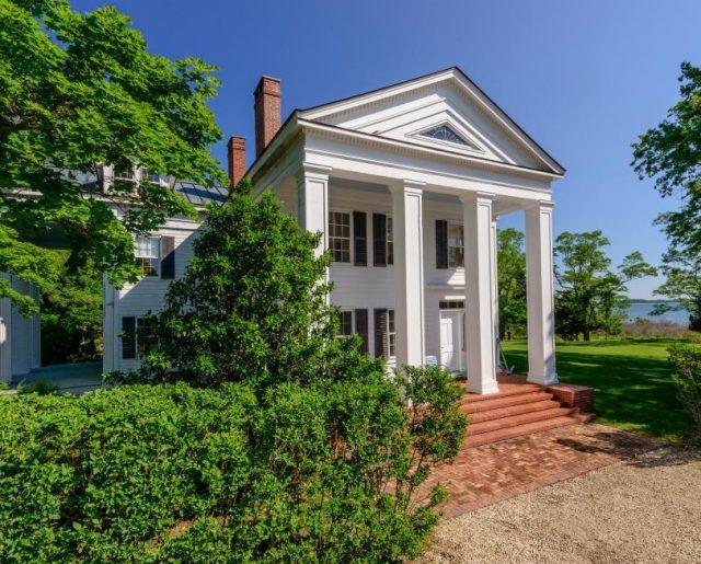 Christie Brinkley Sells One of Her Hamptons Homes!