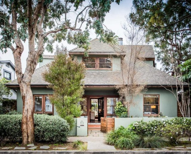 Tour the 'Cheers' TV Executive Producer's Home!