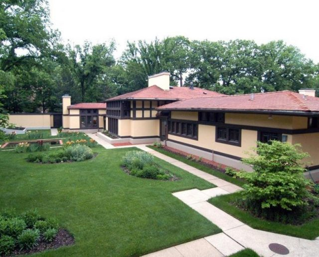 Frank Lloyd Wright – Still America's Favorite Architect 60 Years After His Death!