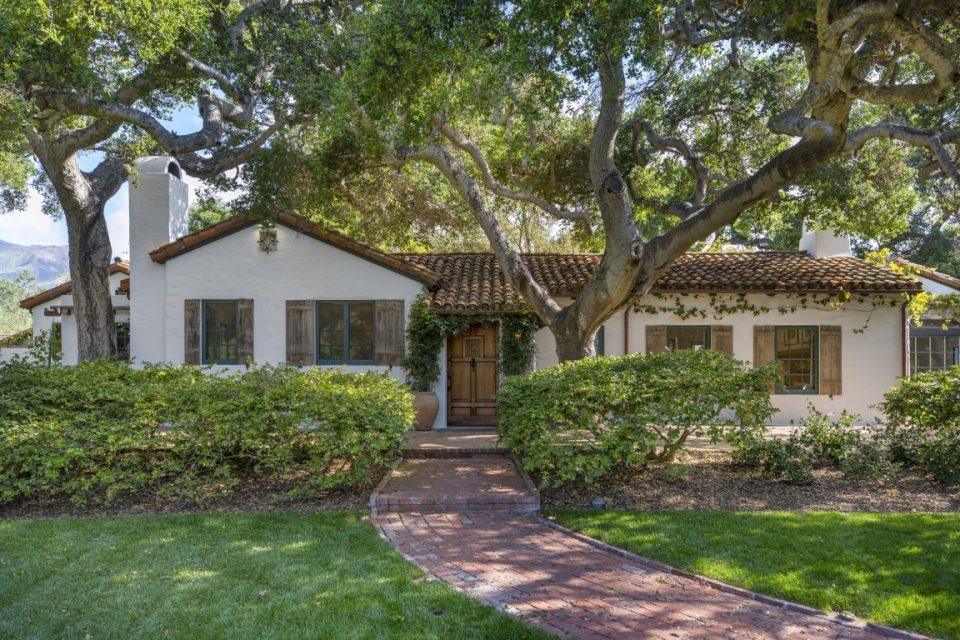 Jeff Bridges Sells to Neighbor Oprah Winfrey!