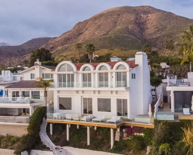 "Malibu Beach Home – As Seen On ""Keeping Up With the Kardashians!"""