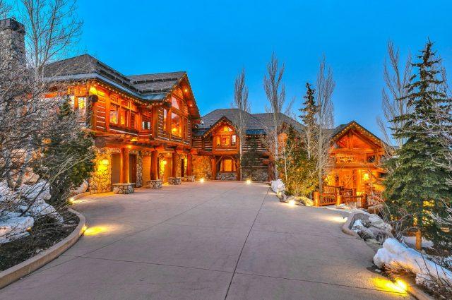 Mitt Romney's Utah Mountain Ski Home!