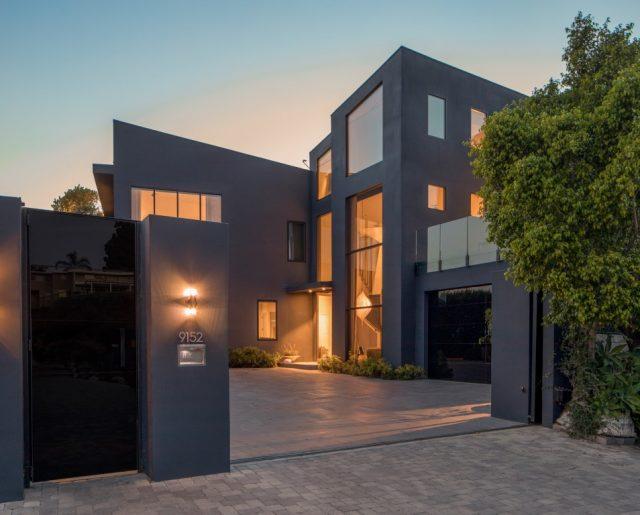 John Legend & Chrissy Teigen's Stylish Beverly Hills Home!