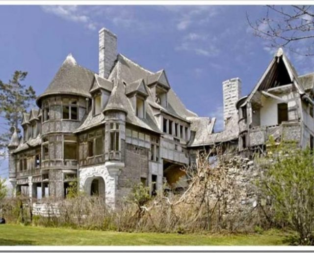 Top Ten Haunted Homes!