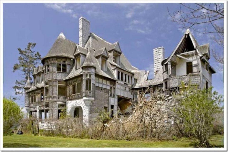 Top Ten Haunted Homes!