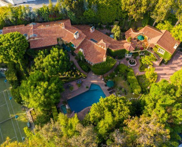 Priscilla Presley's Beverly Hills Villa!