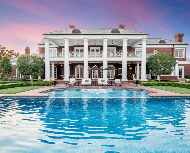 A California Mansion So Nice, Wayne Gretzky Bought It Twice!