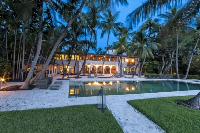 Phil Collins' Miami Beach Mansion – Former Owners Include Jennifer Lopez!