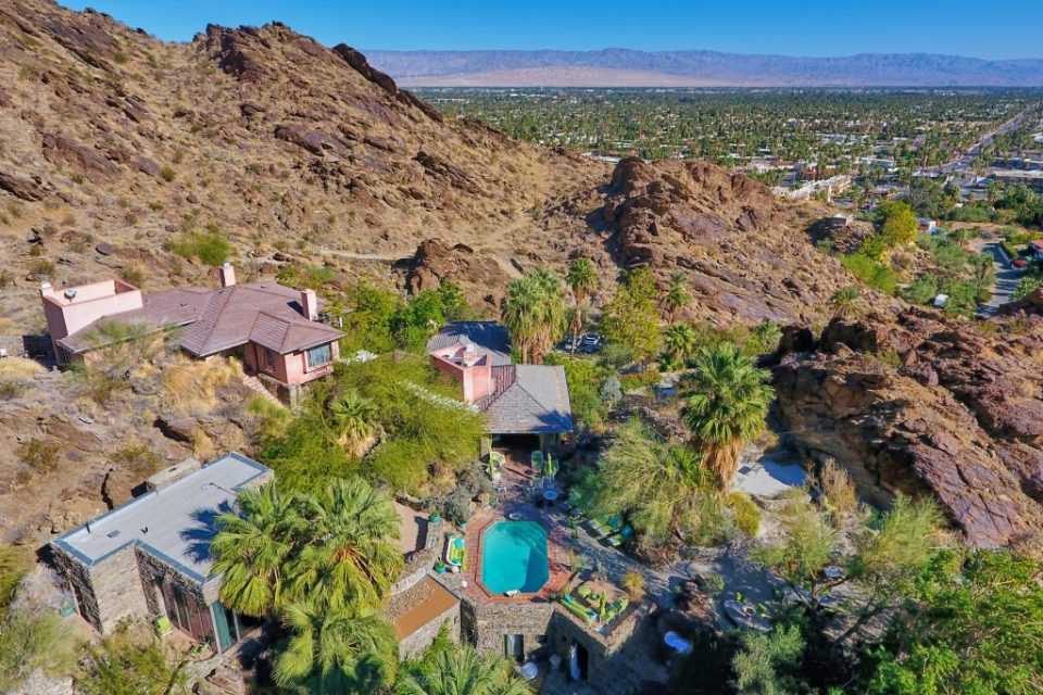 Suzanne Somers Sells Sexy Desert Compound!